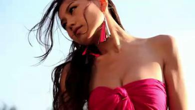 香港三级片系列-周秀娜3D法国蜜月之旅写真